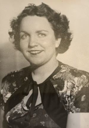 WALKOM: Evelyn Marie (Albright) of London, formerly of Exeter